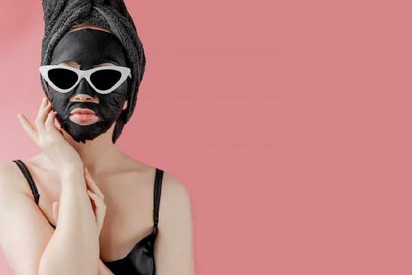 ماسک ضد جوش با زغال فعال